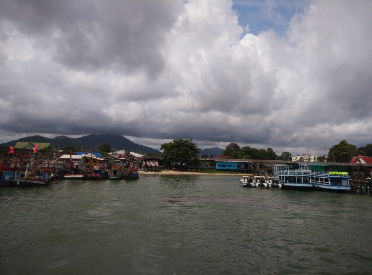 Ban Phe Pier