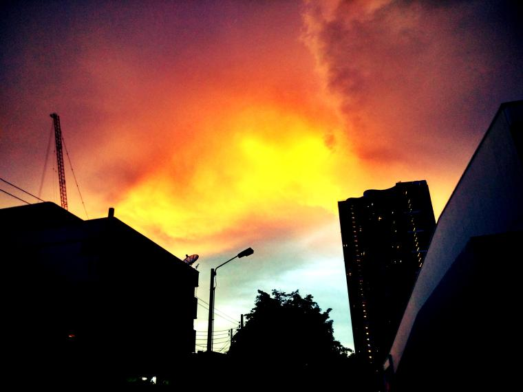 A stormy evening sky in Bangkok